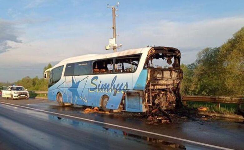 На трассе Киев-Чоп загорелся автобус с пассажирами
