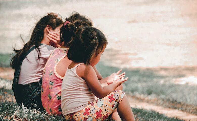 Ученые подсчитали, сколько детей из-за коронавируса лишились родителей