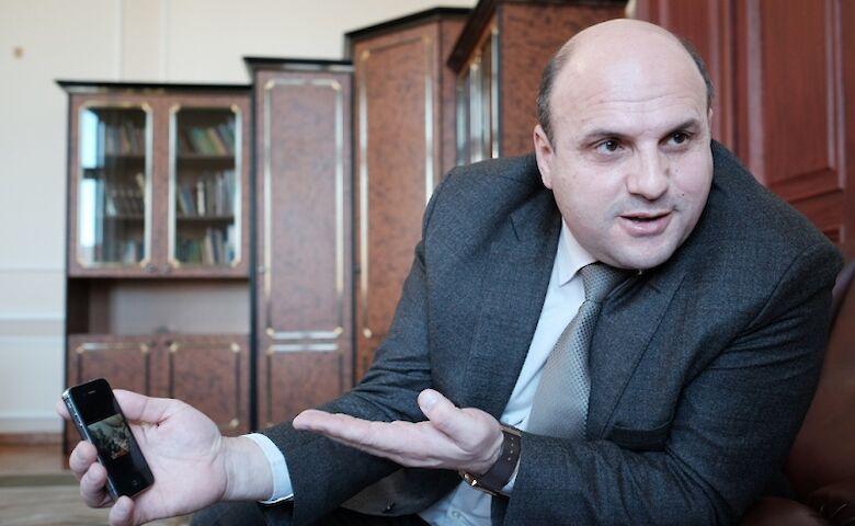 Глава Черновицкого облсовета был отстранен от должности